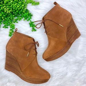 [Michael Kors] Suede Lace Up Wedge Booties